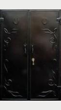 Стальная дверь с ковкой 4 (двустворчатая)