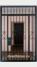 Тамбурная решетчатая дверь